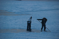 sledging2012-290.jpg (Zandvoort Life) Tags: winter snow holland ice netherlands kids nederland sanddunes 2012 frozenlake zandvoortaanzee scrapingsnow saggerboy