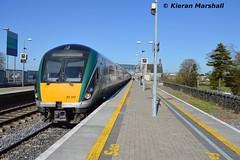 22017+22062 at Portlaoise, 18/4/14 (hurricanemk1c) Tags: irish train rail railway trains railways irishrail rok rotem 2014 portlaoise icr iarnród 22000 22017 22062 éireann iarnródéireann 3pce 4pce 1525heustonlimerick 7pce