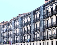 Bilbao - Miradores 57 (Arnim Schulz) Tags: españa art window architecture ventana spain arquitectura arte fenster kunst finestra artnouveau architektur fachada espagne fenêtre basque vasco façade spanien fassade baskenland erker espanya oriel stilefloreale tribuna belleepoque baukunst