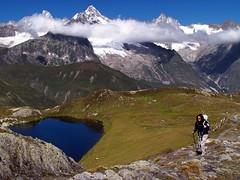 Lacs de Fentre (2005) Alpes (PacotePacote) Tags: mountain ruta clouds alpes trekking walking landscape lago ferret paisaje alpine nubes mountaineering lacs montaa fentre grandstbernard