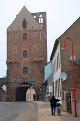 Gartz: Stettiner Tor - Szczecin city gate (ray_bln) Tags: germany deutschland porta porte tor fortifications allemagne poort stadtmauer stadttor citygate brana brama stadsmuur stadtbefestigung