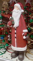 Day 337 :: 365 ..::.. Christmas minus 22 (Echo9er) Tags: christmas photography samsung outandabout storedisplay dec11 project365 201112 mostly365 20111204 phnephotos