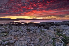 Sky on fire (seryani) Tags: ocean longexposure november sunset sea costa beach water canon atardecer coast mar twilight spain rocks europa europe view tide horizon playa noviembre filter vista puestadesol bluehour plage rocas cantabria anochecer oceano marea filtro liencres 2011 canonef2470f28l canon2470 valdearenas singhray espana costaquebrada horaazul canonef2470 playadevaldearenas canoneos5dmarkii november2011 5dmarkii noviembre2011 exposicionlarga marcantabrico oceanoatlantico singhraynd3inverse