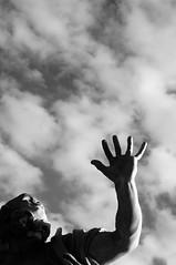 Rio della Plata (Paolo Bosco) Tags: sky bw italy cloud white black rome roma fountain four italia nuvole hand pentax 5 bn 55mm cielo rivers mano 18 55 smc fontana bianco nero quattro fiumi riodellaplata bibble k55 bibblepro bibblelabs k20d