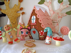 christmas candyland (merwinglittle dear) Tags: show christmas trees house decoration gingerbread felt plush deer shelf elf candyland