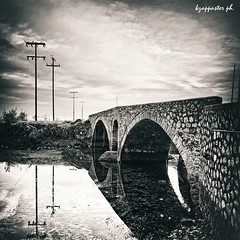 Itea (kzappaster) Tags: bridge square samsung greece pancake 16mm ifn stonebridge nx thessaly karditsa itea mirrorless nx100 samsungnx100 compactsystemcamera 16mmf24