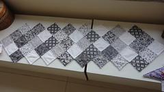 TRIHLO DE MESA (PATCHWORK BY SOCORRO NASCIMENTO CIA DAS MOS) Tags: de quilt patchwork mesa trilho