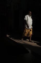 (Luqman Marzuki) Tags: india varanasi kashi gali benares alleyways x100 23mm mantosz