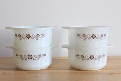 Brown Daisy Dynaware Ramekins (KitchenCulinaria) Tags: vintage ramekins pyrorey dynaware browndaisybrownfloral kitchenculinaria