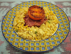 revuelto de patatas con beicon 28 1 12 004 (eskippyskip) Tags: tomato milk bacon yummy corn tasty fresh delicious leftovers eggs peas mustard easy quick scrambled hotfood tenminutemeals revueltodepatatasconbeicon28112