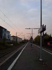 Imagining the Day (heritagefutures) Tags: station germany hessen samsung bahnhof daily note 101 commuting sbahn soden tablet taunus nad tain