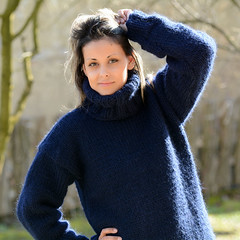 NAVY BLUE Hand Knit Wool non Mohair Sweater Dress Pullover EXTRAVAGANTZA EBAy (Mytwist) Tags: blue woman sexy classic wool girl fashion lady female fetish cozy sweater fisherman ebay hand dress turtle traditional navy knit craft style cable mohair passion p non timeless pullover oversize laine genser sweatergirl knitwear cabled rollneck rollkragen woolfetish grobstrick turtlemeck extravagantza