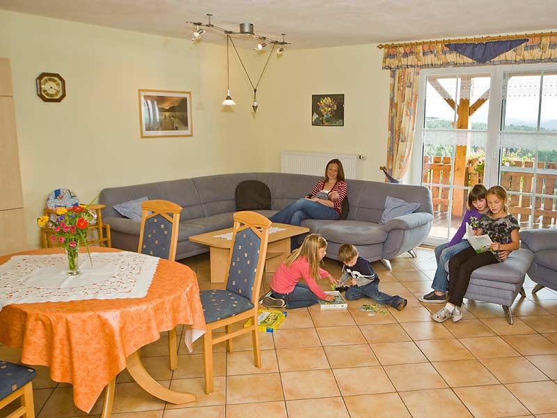 Kastanienhof Selz - Wohnzimmer FeWo Brombachsee