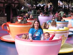 Disneyland Christmas 2011 103 (Beauty Playin 'Eh) Tags: sisters teacups dl magickingdom motheranddaughter waltdisney smilinggirls happiestplaceonearth disneylandresort happygirls madhatterteaparty disneylandatchristmas disneylandchristmas2011