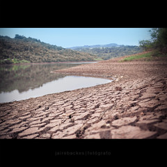 Dry the lake (jairobackes.com) Tags: brazil verde rio brasil advertising photography design marketing photo do foto photographer graphic photos designer internet fine images lucas clean creation stockphotos getty mkt agriculture fotografia photoart matogrosso fotgrafo connection gettyimages embrapa logotype criao publicidade jairo criativo cuiab agricultura criatividade backes agribusiness agronegcio criativity bancodeimagens concrdia fotopublicidade jairobackes wwwjairobackescom fiagril logotipoe