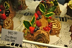 no black stump (Ian Riley) Tags: christmas food leaves cake price festive log berries market seasonal central ivy australia holly yule adelaide 40 sa southaustralia baked rolled decorated yuletime