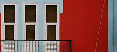 Mindelo, isla de Sao Vicente. Cape Verde (morunoX) Tags: africa red reflection window wall pared reflejo urbano railing fachada pueblos caboverde barandilla mindelo