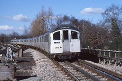 London Transport . 1962 Tube Stock  1272 . Approaching Arnos Grove Station , London . 04th-March-1979 . (AndrewHA's) Tags: electric train railway emu londonunderground 1962 piccadillyline londontransport arnosgrove tubestock multipleunit 1272
