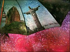 2012 em Copacabana! (ccarriconde) Tags: reveillon rain brasil riodejaneiro umbrella fireworks chuva ccarriconde cristinacarriconde newyear corcovado copacabana redentor anonovo happynewyear 2012 felizanonovo guardachuva fireworkshow copyright©cristinacarricondeallrightsreserved ©cristinacarriconde reveillonemcopacabana reveillon2012 guardachuvadoriodejaneiro