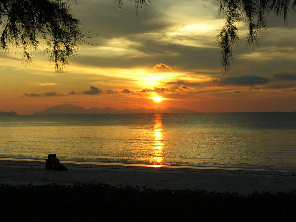 Sunset couple, Ko Tarutao, Satun, Thailand