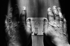 Una vita tra le mani - A life in hands. (sinetempore) Tags: light shadow blackandwhite photo hands foto ombra mani luce biancoenero mygearandme unavitatralemani alifeinhands
