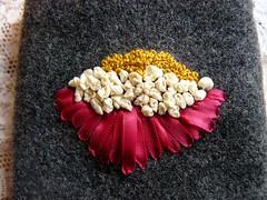Drap de laine et vieille dentelle (chabronico) Tags: wool lace tape applique dentelle dmc ruban laine appliqué broderie