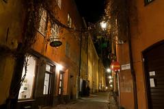 Sjlagrdsgatan (David Thyberg) Tags: building night sweden stockholm gamlastan sverige oldtown 2012 2011 ginordicjan12