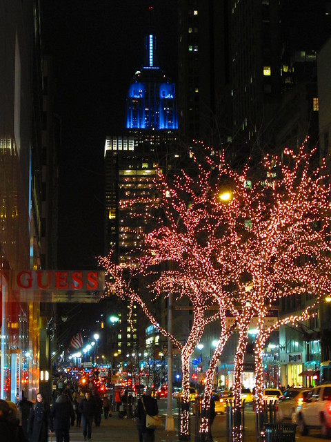 Empire State Building lit up in all blue tonight for this weekends playoff game between NY GIANTS and Green Bay Packers