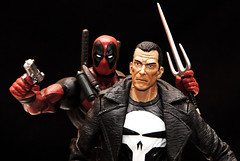 Punisher vs Deadpool (mircoLITRATO) Tags: canada lego philippines spiderman ironman simpsons disney superman xmen alberta actionfigures batman joker lordoftherings hawkeye marvellegends dccomics hulk thor spawn wintertime marvel captainamerica mirco marvelcomics worsley sideshow avengers juggernaut waltdisney tangled punisher mcfarlane toybiz minifigures antman hottoys deadpool marvelselect diamondselect legomini dawnofjustice mircorazon kulotdgreat toystagram ageofultron geekprideday suicudesquad