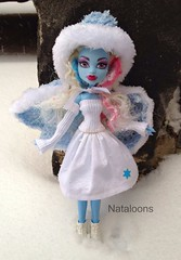 Abbey is excited for snow again! (Nataloons) Tags: snow abbey fashion monster high doll handmade clothes mattel monsterhigh bominable abbeybominable laurenpayton