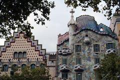 Paseig de Gracia (laura.foto) Tags: barcelona architecture buildings de spain modernism facades paseo barcellona casamil mir graciapaseigdegracia