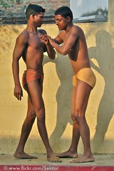 Kushti Training, Tulsi Ghat Akhara, Varanasi (Sekitar) Tags: boy india man men training varanasi tulsi ghat akhara kushti
