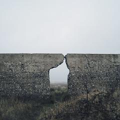 Gap (Ben_Patio) Tags: mist public wall square newhaven tidemills ipernity benpatio artlibres