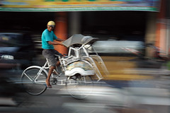 Becak in Jogyakarta (Tempo Dulu) Tags: poverty motion blur indonesia java transport transportation becak slowshutterspeed jogyakarta jogya