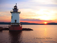12-Pink Sunset (Blackarrow3) Tags: lighthouses hudsonriver sleepyhollowlighthouse tarrytownlighthouse newyorklighthouses hudsonriverlighthouses 1883lighthouse