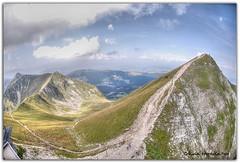 La belle Suisse (Olivia Heredia) Tags: naturaleza mountains nature switzerland suisse verano castillo hdr highdynamicrange valais gruyres tonemapped molson tonemapping 1exp schweis oliviaheredia oliviaherediaotero