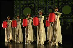 Female Dancers with lanterns (jye_99) Tags: dancing