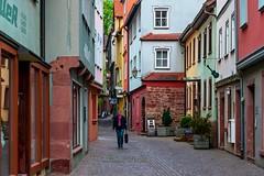 Friedleinsgasse, Wertheim (Claudia G. Kukulka) Tags: street people architecture germany deutschland outdoor main menschen wertheim strase wertheimammain friedleinsgasse