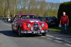 Jaguar MKII 1966 (Monde-Auto) Tags: auto rouge automobile course jaguar berline mkii royaumeuni comptition
