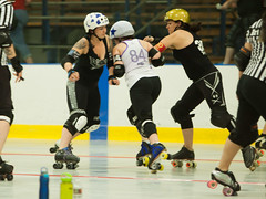 IMG_0418 (clay53012) Tags: ice team track flat arena madison skate roller jam derby league jammer mrd bout flat wftda derby womens track hartmeyer moocon2016