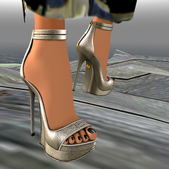 Kalnins Audrey (KymSara) Tags: fashion blog shoes heels blogged kalnins kymsara