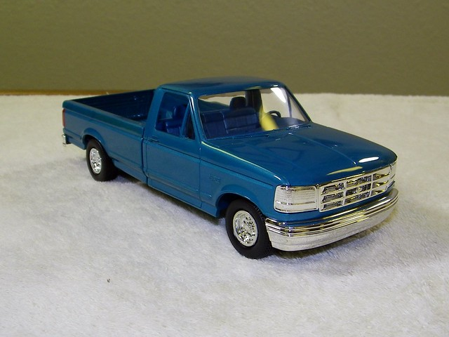 auto old classic cars ford scale car truck vintage promo model automobile antique pickup f100 f150 plastic 124 f sample 1992 100 kit collectible collectors promotional coupe 92 dealership johan mpc 125 amt smp hubley revell banthrico