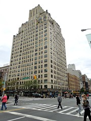 Chelsea Manor Apartments - 300 West 23rd Street at Eighth Avenue, New York (Anomalous_A) Tags: nyc newyorkcity ny newyork building architecture skyscraper chelsea manhattan artdeco deco emeryroth