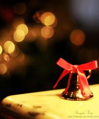Christmas time (Anxhela Isaj) Tags: christmas bell bokeh ribbon natale campanellino fiocco
