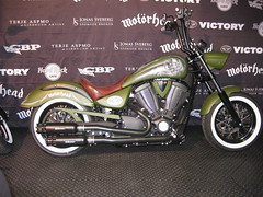 Motrhead / Victory Motorcycles -  Lemmy (Marius Mellebye / 276ccm) Tags: leather model seat signature victory solo motorcycle custom airbrush custompaint motrhead bobber mariusmellebye cbp 276ccm