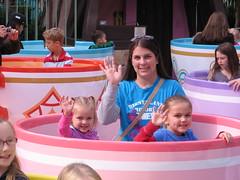 Disneyland Christmas 2011 102 (Beauty Playin 'Eh) Tags: sisters teacups dl magickingdom motheranddaughter waltdisney smilinggirls happiestplaceonearth disneylandresort happygirls madhatterteaparty disneylandatchristmas disneylandchristmas2011