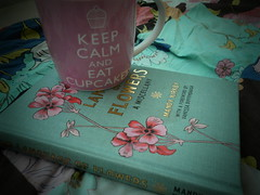 The language of flowers (_Pie_nya_) Tags: flowers floral cupcakes books thelanguageofflowers keepcalm