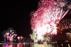 Day 354 : Sydney (BeAsT#1) Tags: new eve bridge holiday wales canon kiss fireworks harbour south nye working sydney australia tokina nsw years f28 visa  2012    x3 500d  whv  t116   1116mm