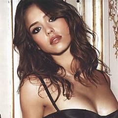 Jessica Alba nue et sexy, la plus canon ?