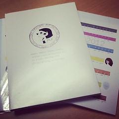 น้อง @yui_noparpa เอาสมุดที่ทำเอง มาให้เป็นของขวัญปีใหม่ น่ารักมากเลย